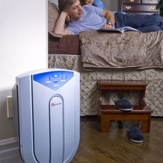طراحی ورودی چندگانه هوا به گونه ای است كه حداكثر هوای ممكن را به درون دستگاه منتقل می كند. فن قدرتمند و آرام دستگاه باعث وزش هوای تمیز و تصفیه شده به فضای اتاق می شود. از لحاظ اقتصادی این دستگاه در مصرف انرژی كم مصرف است و حسگرهای تكنولوژی آن باعث كاهش استفاده الكتریسیته می شود. قیمت پایین و هزینه پایین تعویض فیلتر و لامپ UV از دیگر موارد اقتصادی و به صرفه بودن دستگاه بشمار می رود. دستگاه با صدای كم و با آرامش فعالیت می كند حتی اگردرحالت High باشد.